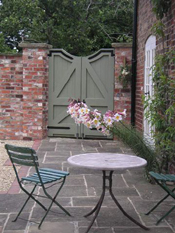 Hope House Gardens, Garden design, Sue Neave, Garden Designer, Caistor, Lincolnshire, Garden Design Caistor, Lincolnshire,  Gardening Tips, Gardening Profile, Special Touches for your garden, Sue Neave